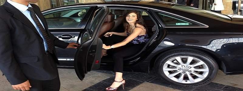 kriteria pelanggan rental mobil saat sewa mobil mewah