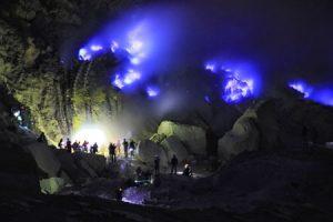 tour wisata bluefire kawah ijen jawa timur