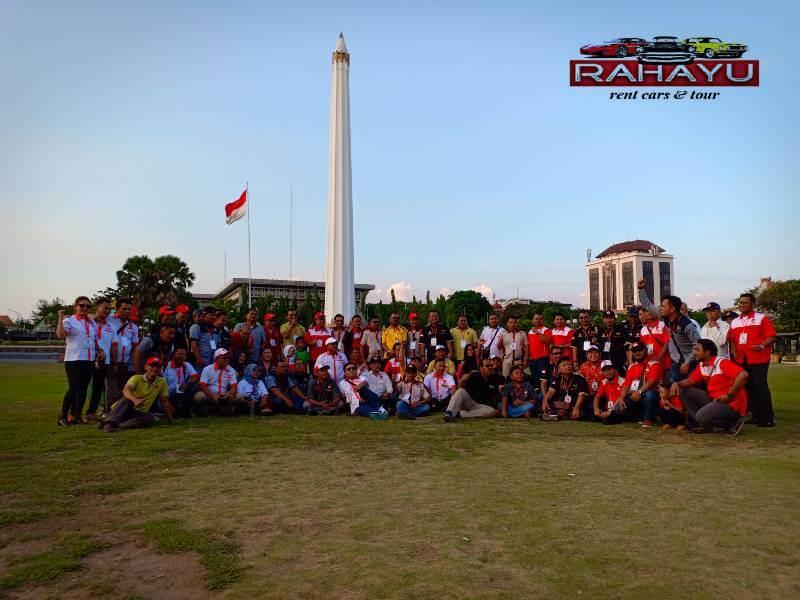 tugu pahlawan dan museum sepuluh november untuk mengenang jasa para pahlawan di kota Surabaya