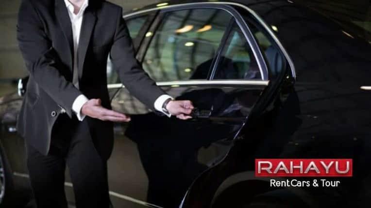 layanan pengemudi profesional sewa mobil rahayu